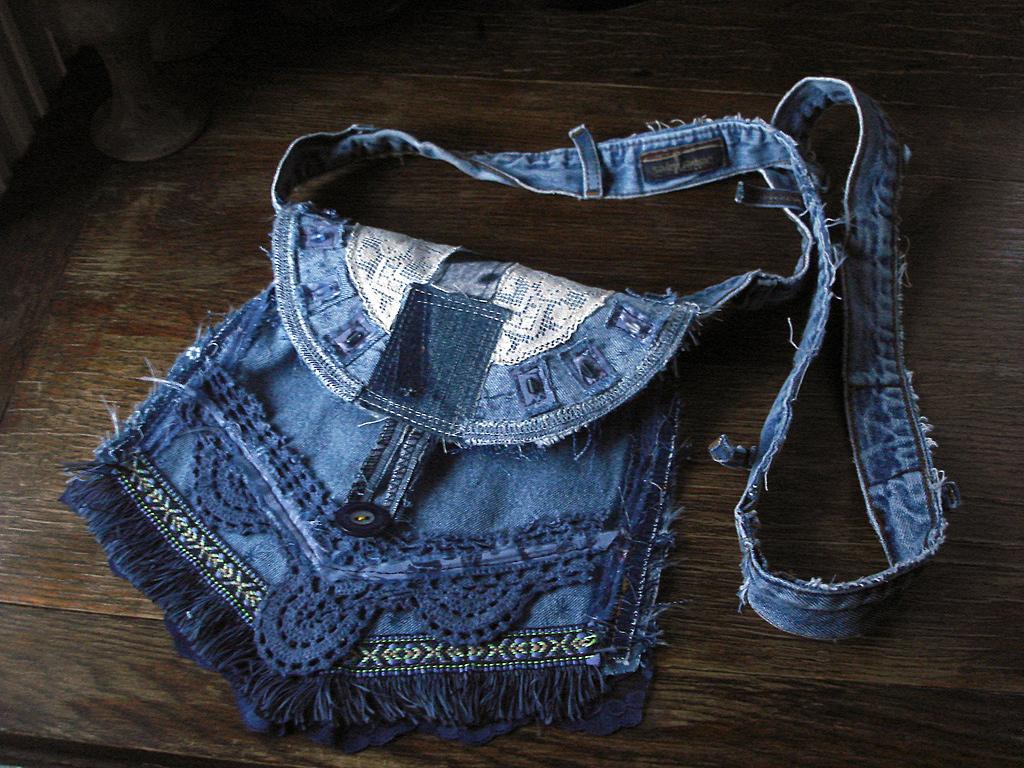Джинсовые сумки своими руками украсить