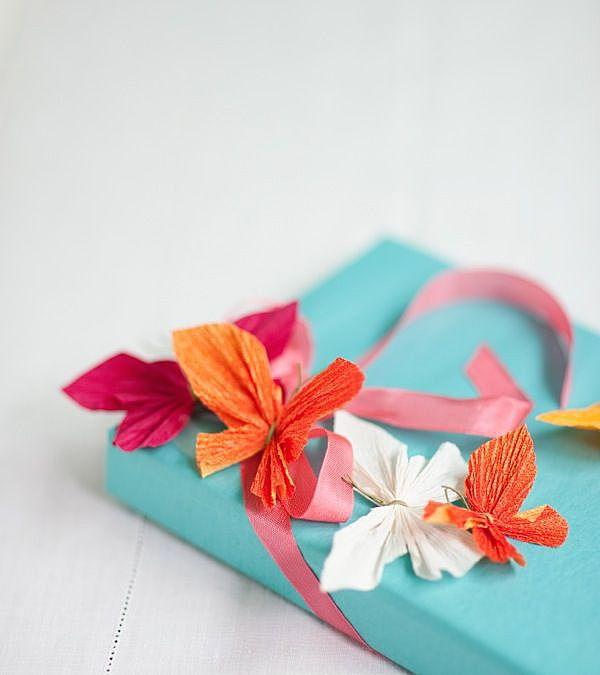 Как красиво украсить коробку гофрированной бумагой